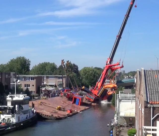 Dramatic Video: Cranes Collapse in Netherlands, 20 hurt