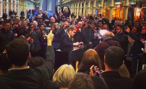 Elton John Subway Surprise: Superstar Plays Donated Piano For London Commuters