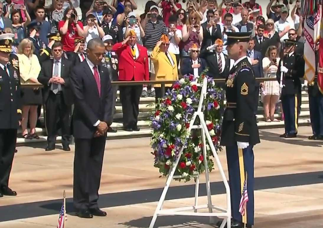 #MemorialDay2016 - President Obama Visits Arlington Cemetery's Tomb Of The Unknown Soldier