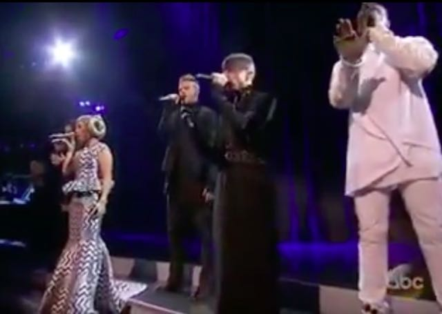 Video: Star Wars Score Performed by Pentatonix On 2015 AMAs