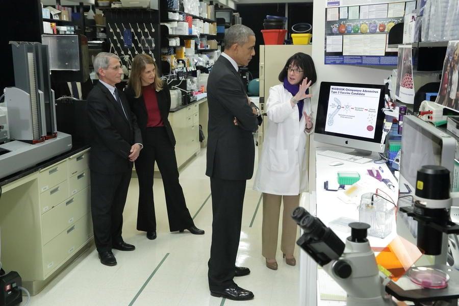 NIH.Obama.Lab.jpg