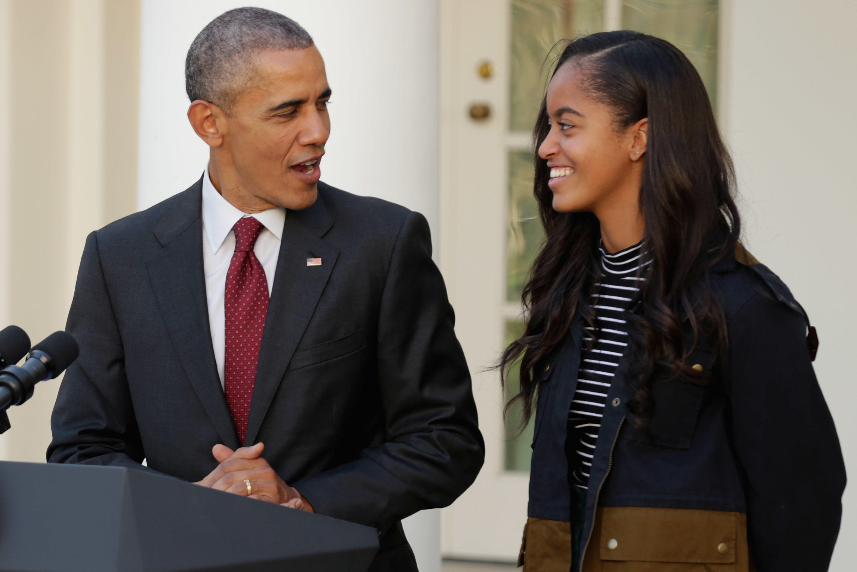 Fake News: Malia And Sasha Were NOT Loaned To Obamas By Their Real Parents