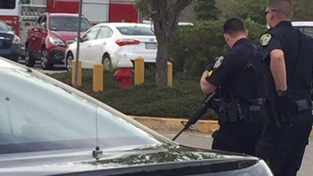 Breaking: At Least Four Stabbed, Off-Duty Officer Shoots Suspect At Mall