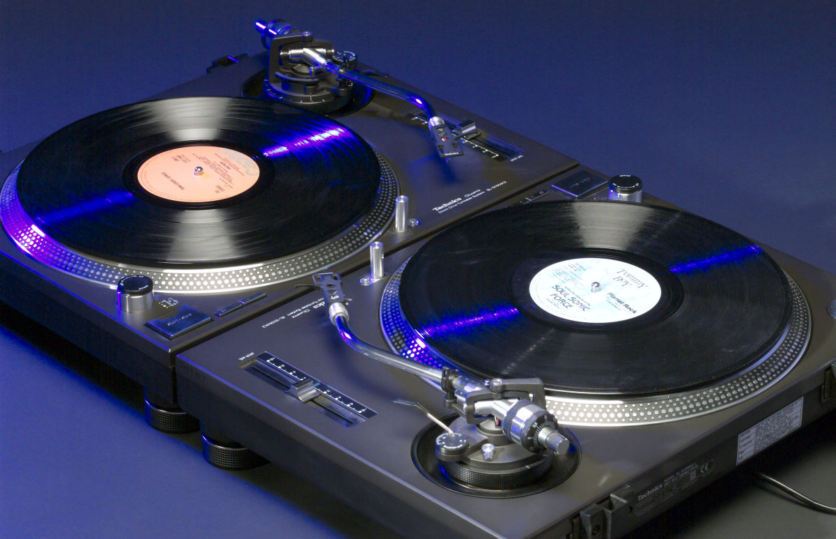 Technics' Turntables, Star Wars Droids and Google Docs Speech Recognition